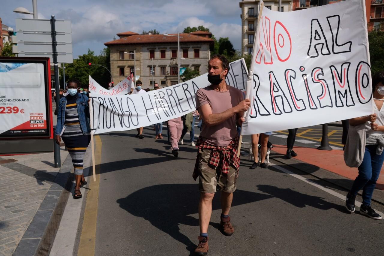 2021 0529 16250200 copy 1280x853 - Irun-Hendaya: Multitudinaria manifestación por los derechos de los migrantes
