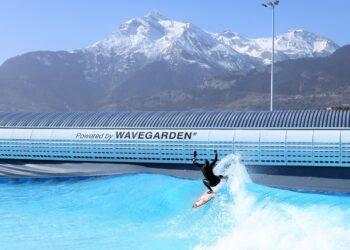 La ola artificial de Sion (Suiza) con tecnología vasca Wavegarden. Foto: WG