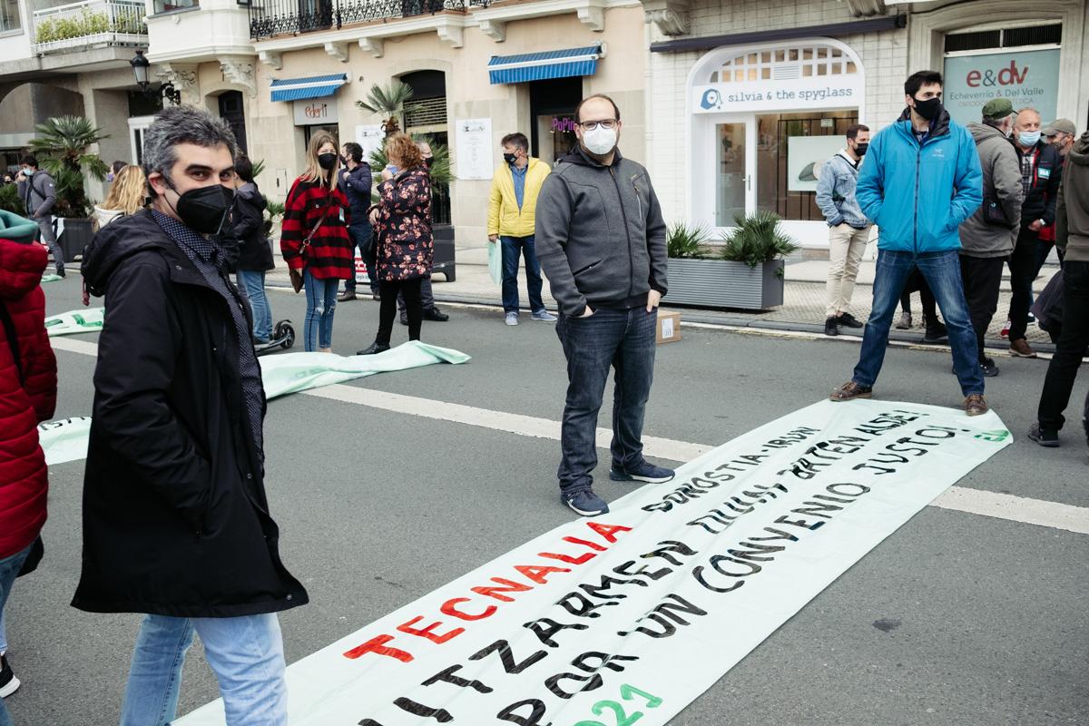 donostitik manifestacion 1 de mayo 02 - 1 de Mayo: Miles de trabajadores recuperan las calles de Euskadi tras la ausencia en 2020
