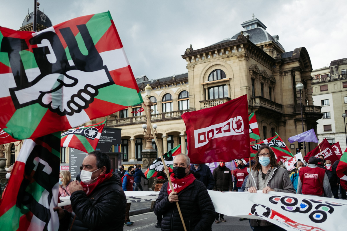 donostitik manifestacion 1 de mayo 07 - 1 de Mayo: Miles de trabajadores recuperan las calles de Euskadi tras la ausencia en 2020