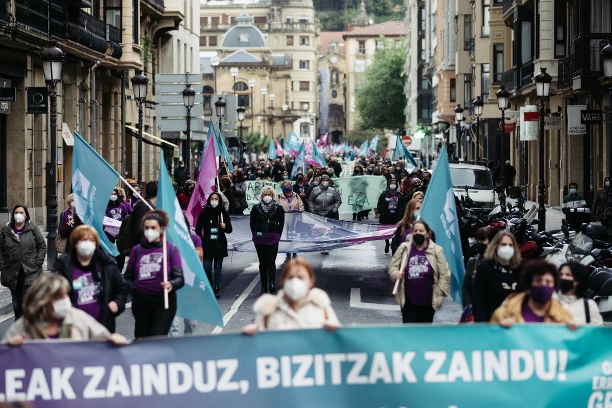 donostitik manifestacion 1 de mayo 13 - 1 de Mayo: Miles de trabajadores recuperan las calles de Euskadi tras la ausencia en 2020