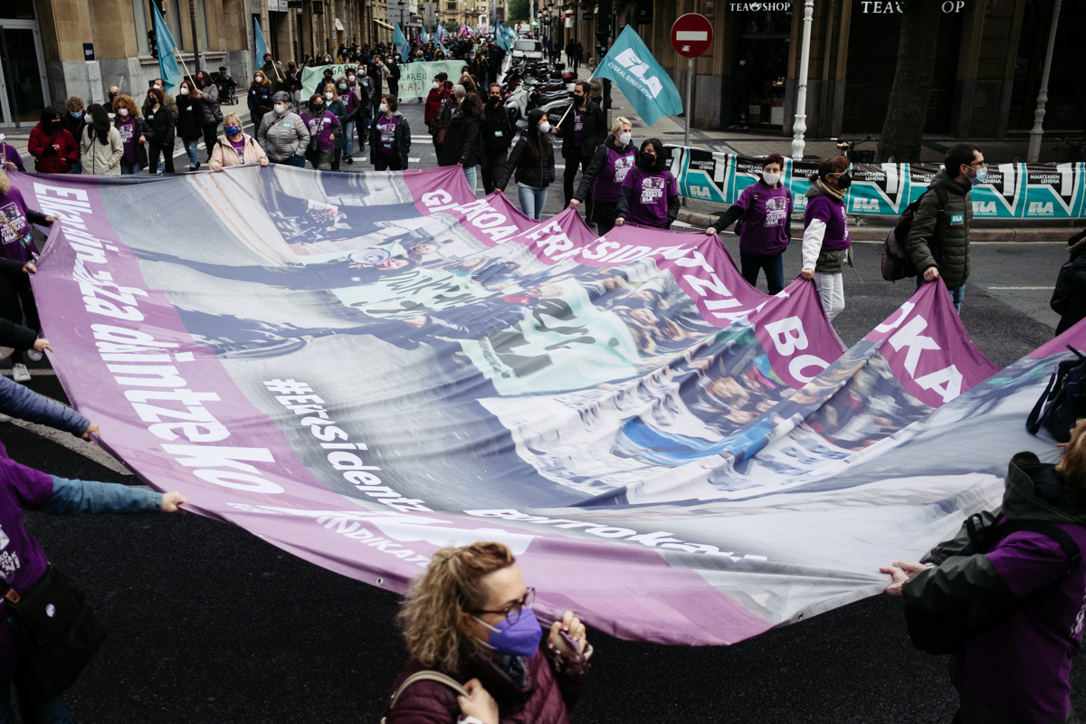 donostitik manifestacion 1 de mayo 14 - 1 de Mayo: Miles de trabajadores recuperan las calles de Euskadi tras la ausencia en 2020