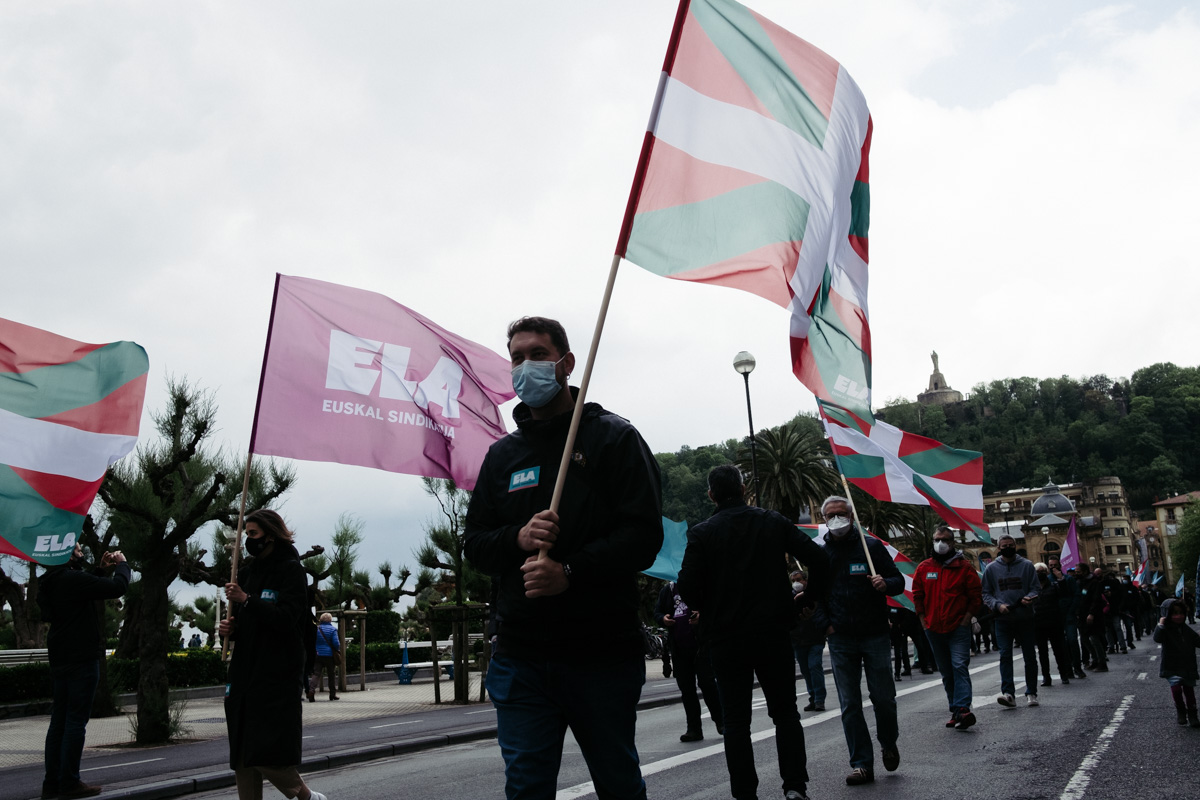 donostitik manifestacion 1 de mayo 18 - 1 de Mayo: Miles de trabajadores recuperan las calles de Euskadi tras la ausencia en 2020