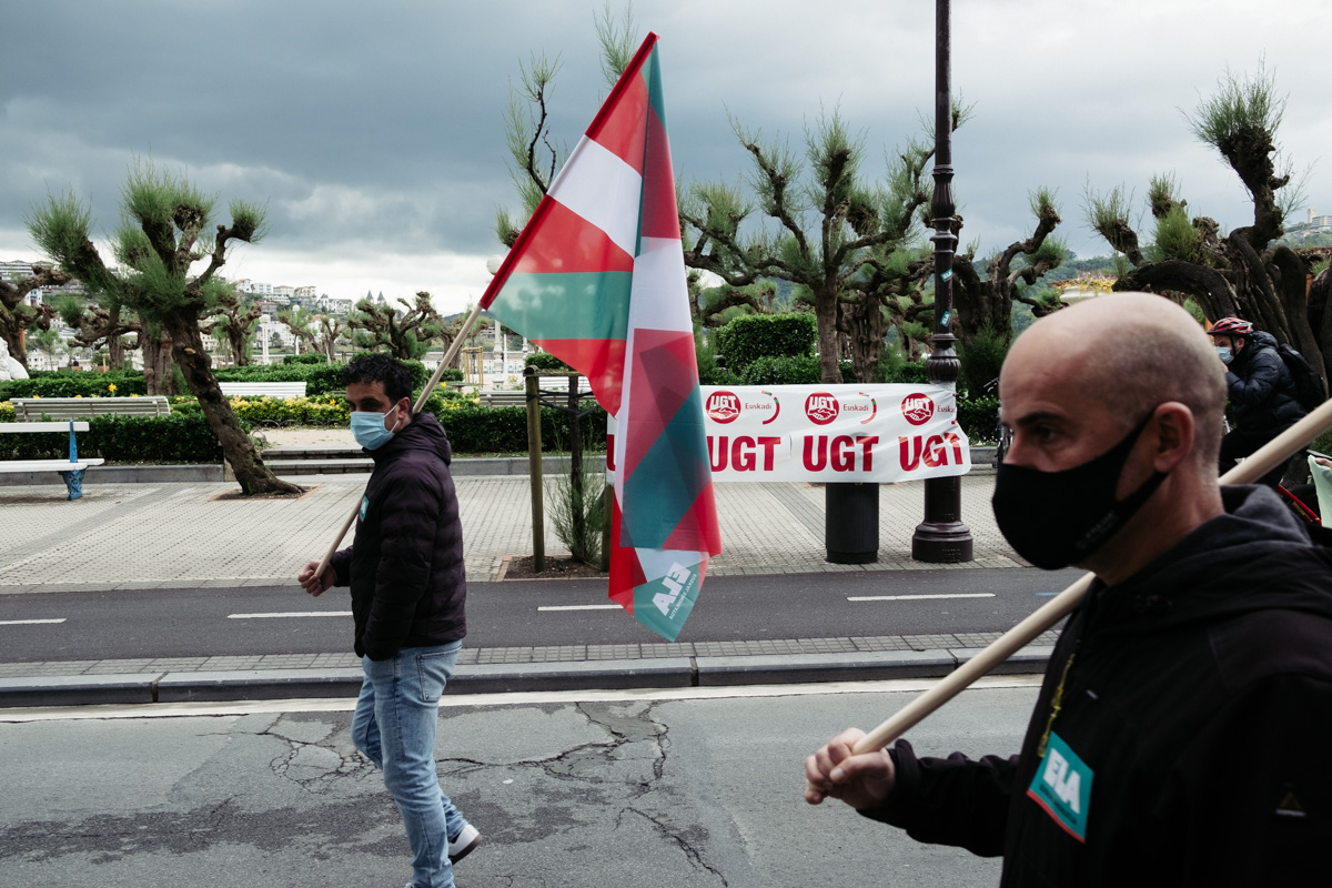 donostitik manifestacion 1 de mayo 19 - 1 de Mayo: Miles de trabajadores recuperan las calles de Euskadi tras la ausencia en 2020