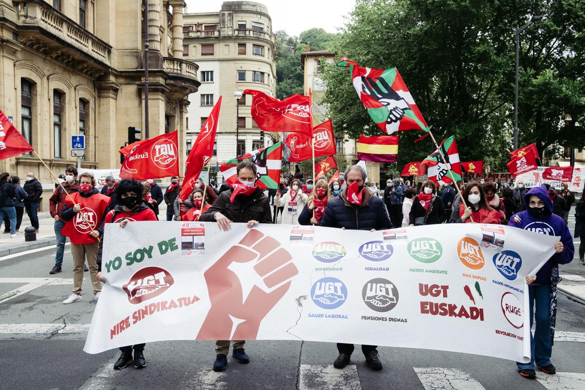 donostitik manifestacion 1 de mayo 21 - 1 de Mayo: Miles de trabajadores recuperan las calles de Euskadi tras la ausencia en 2020