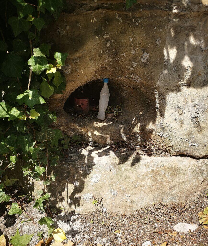 virgen antiguo figura lourdes 868x1024 - Cuando la Virgen se apareció en el Antiguo