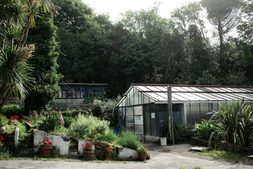vivero ulia depositos parke 1 1024x682 - La casa del guarda de los viveros de Ulia, en el alambre