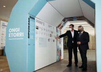 Markel Olano y José Ignacio Asensio hoy junto al Kursaal. Fotos: Santiago Farizano