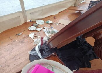 Imagen tras los destrozos en la exposición de Fundación Emaús. Foto: Emaús (vía twitter)
