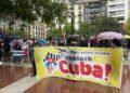 Imagen de la concentración contra el bloqueo a Cuba. Foto: EH Bildu (vía twitter)