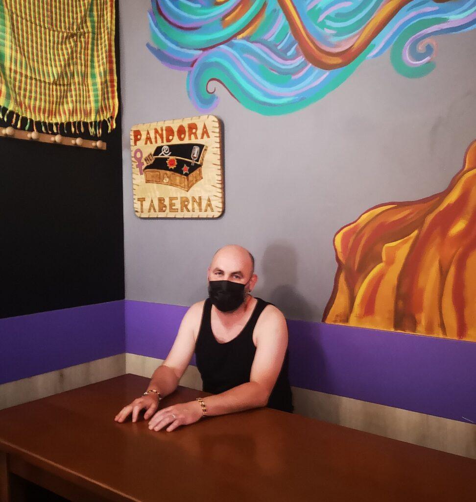 agus pandora 972x1024 - La exitosa mudanza de Agus, del bar Pandora de Gros