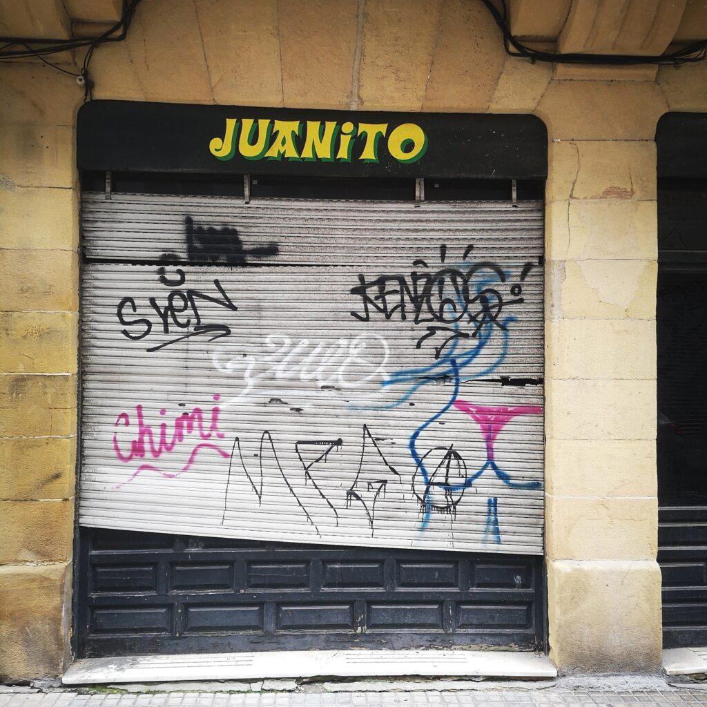 la zona san bartolome bar juanito 1024x1024 - San Bartolomé: el declive de la antigua Zona de Donostia