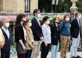 Concentración ante el Ayuntamiento de Donostia. Fotos: Santiago Farizano