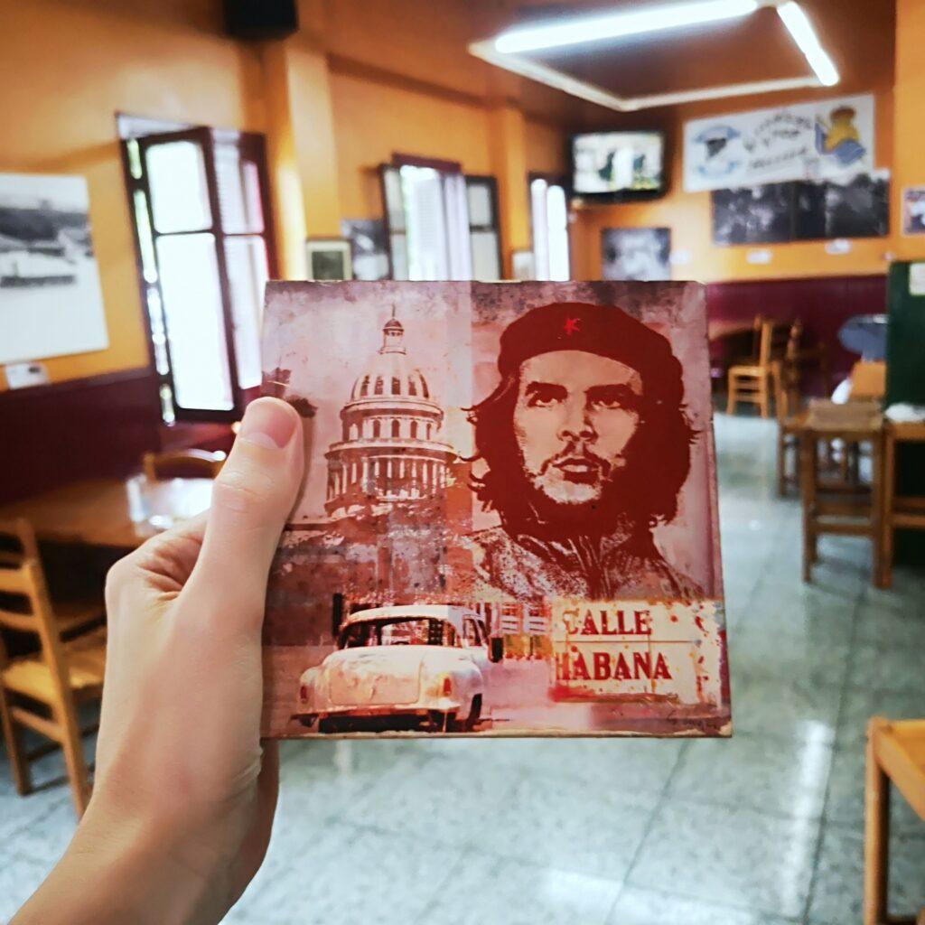bar el nido herrera altza che 1024x1024 - El Che Guevara revive en el bar El Nido de Herrera