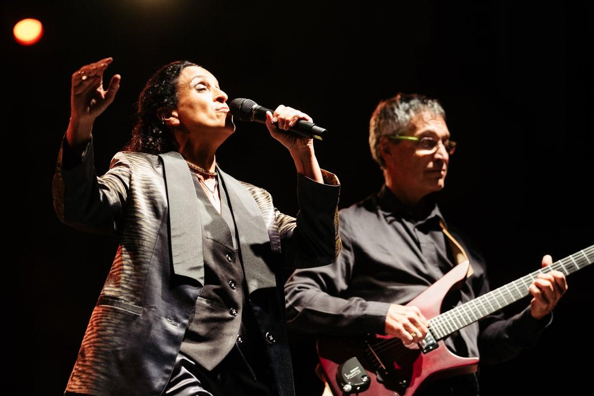 """donostitik jazzaldia noa 06 - Noa: """"Elijo con mucho cuidado a los músicos con los que colaboro"""""""