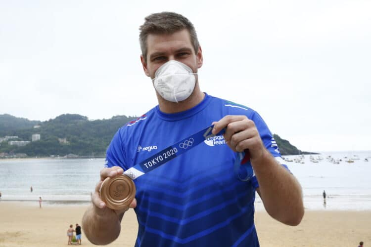El medallista olímpico Julen Aginagalde hoy en Donostia. Foto: Gobierno vasco