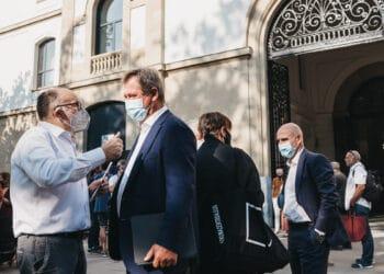El director del Zinemaldi José Luis Rebordinos con el consejero Bingen Zupiria. Fotos: Santiago Farizano