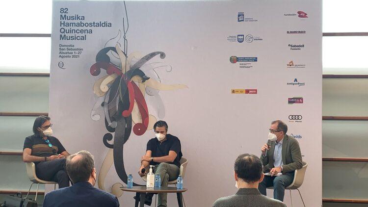 El violinista Leonidas Kavakos, junto al maestro David Afkham y Patrick Alfaya. Foto: Orquesta y Coro Nacionales de España (vía twitter)