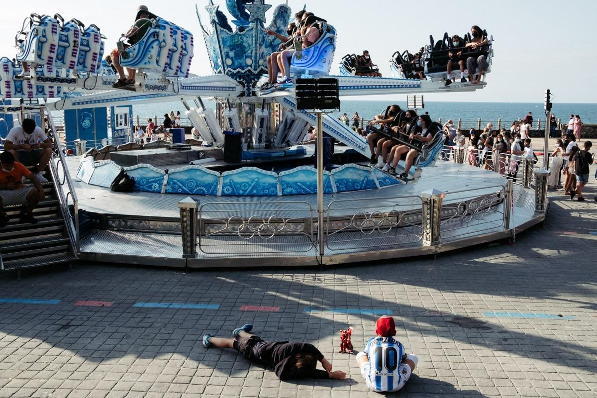 donostitik ferias paseo nuevo 03 - Calor, colas y la misma emoción en las Ferias del Paseo Nuevo