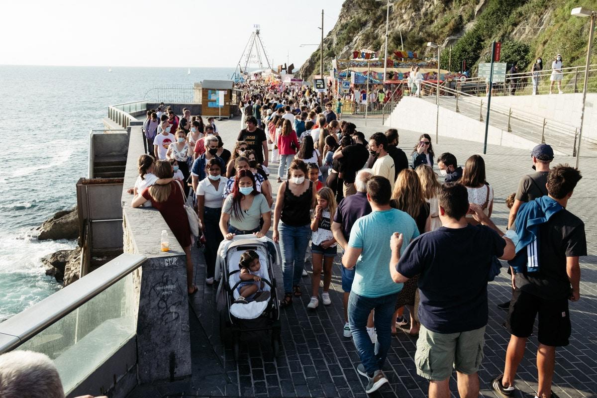 donostitik ferias paseo nuevo 07 - Calor, colas y la misma emoción en las Ferias del Paseo Nuevo
