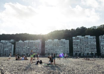 Imagen de archivo de la playa de Hondarribia. Foto. Santiago Farizano