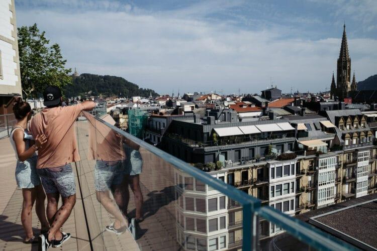 Vista de Donostia desde el mirador de San Bartolomé, recién estrenado. Fotos: Santiago Farizano