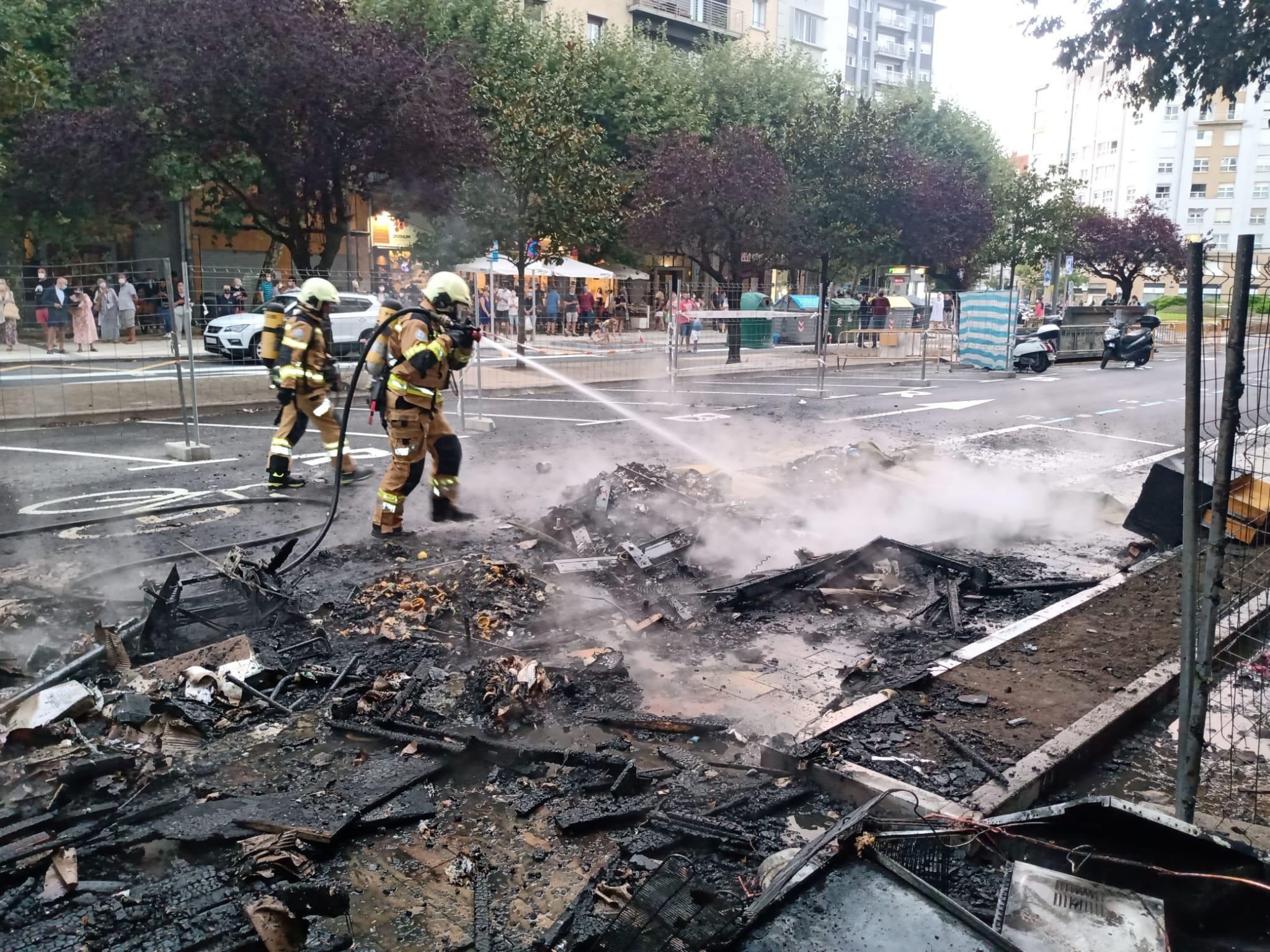 incendioAmara2 - La Guardia Municipal arresta a un hombre por el incendio de la Avenida Isabel II