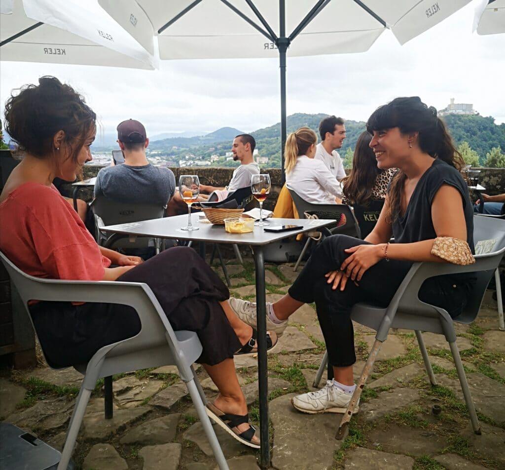 urgull polborina polvorin terraza 1024x952 - Un resquicio de verano en Urgull