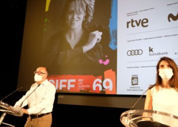 José Luis Rebordinos y Ruth Pérez de Anucita dando las pinceladas del 69 Festival de San Sebastián. Fotos: Santiago Farizano