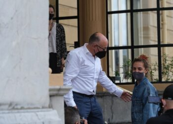 José Luis Rebordinos recibe a la presidenta del jurado Déa Kulumbegashvili en el hotel María Cristina. Fotos: Santiago Farizano