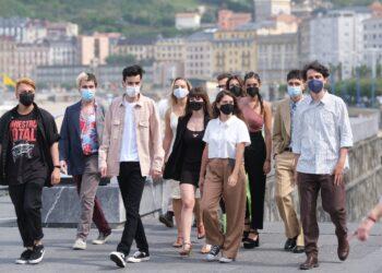 Jonás Trueba y sus actores en 'Quién lo impide'. Fotos: Santiago Farizano
