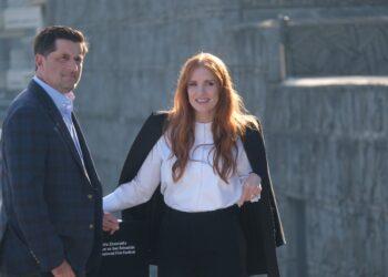 Jessica Chastain y el director de la película, Michael Showalter, en Donostia. Fotos: Santiago Farizano