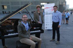 2021 0924 11003600 copy 1280x853 300x200 - Ocho pianos de cola se reparten hoy por Donostia a disposición de cualquiera