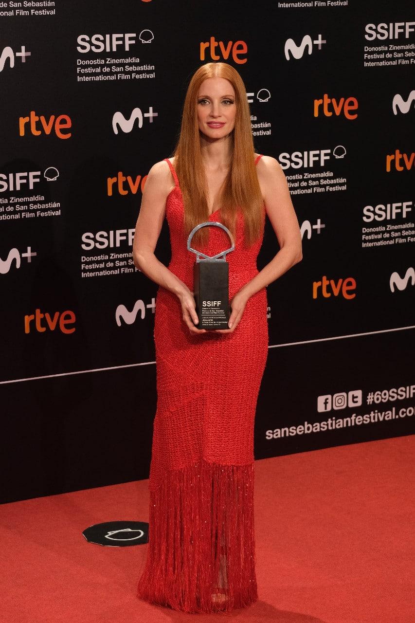 2021 0925 22053000 copy 853x1280 - La película rumana 'Blue Moon' se lleva la Concha de Oro en San Sebastián