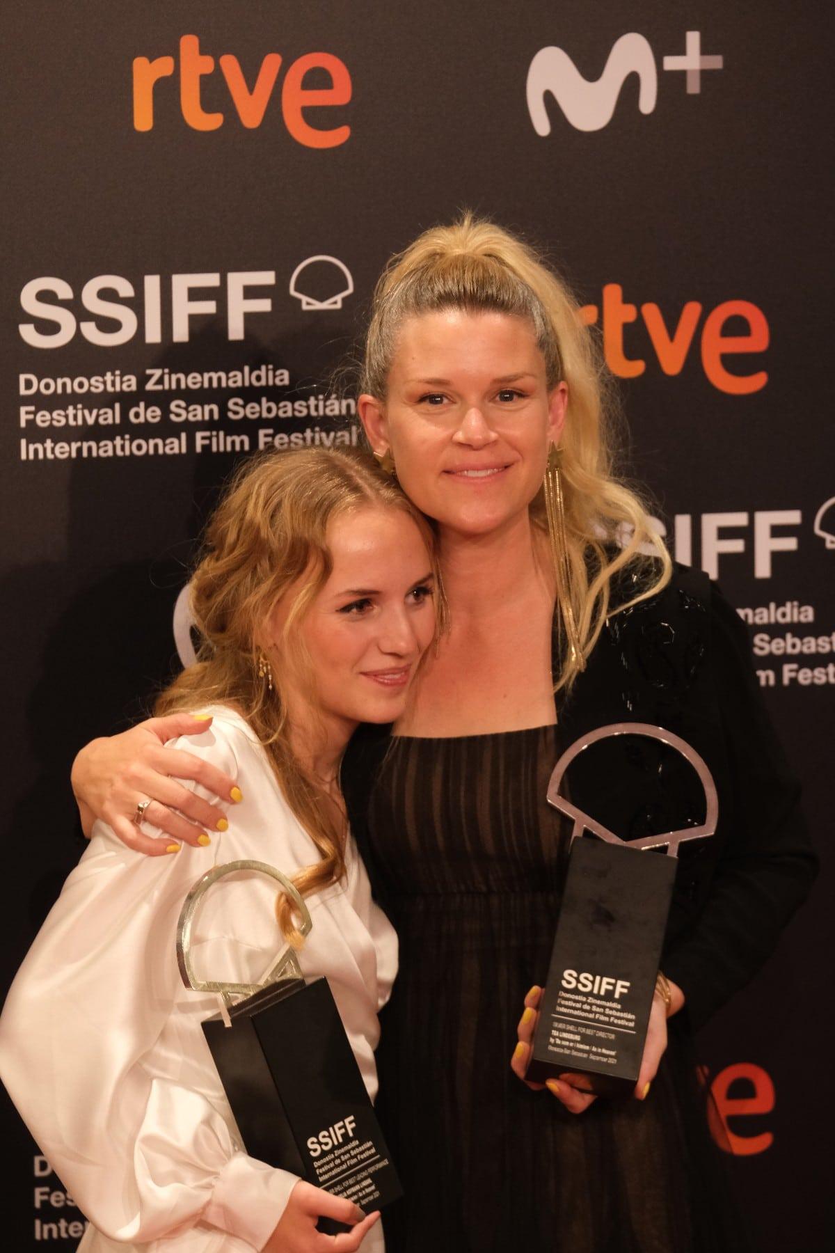 2021 0925 22274300 copy 1200x1800 - La película rumana 'Blue Moon' se lleva la Concha de Oro en San Sebastián