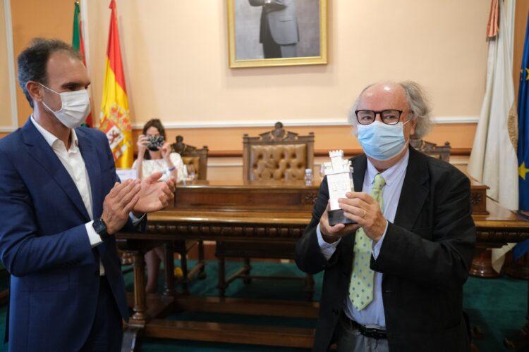 Homenaje al poeta Antonio Colinas por su trayectoria literaria. Foto: Santiago Farizano/Kutxa Kultur