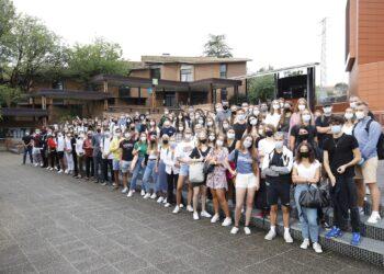 Estudiantes internacionales hoy en el campus de San Sebastián de la Universidad de Deusto. Foto: Deusto