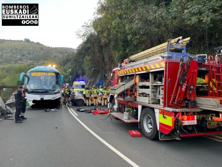 Accidente en Zestoa. Foto: Bomberos de Euskadi