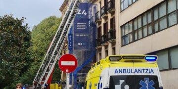Rescate en la calle Camino de Donostia. Fotos: Alberto Rincón