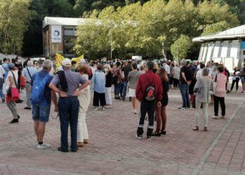 Concentración el pasado sábado en Anoeta por el futuro de Onkologikoa. Foto: DonostiTik