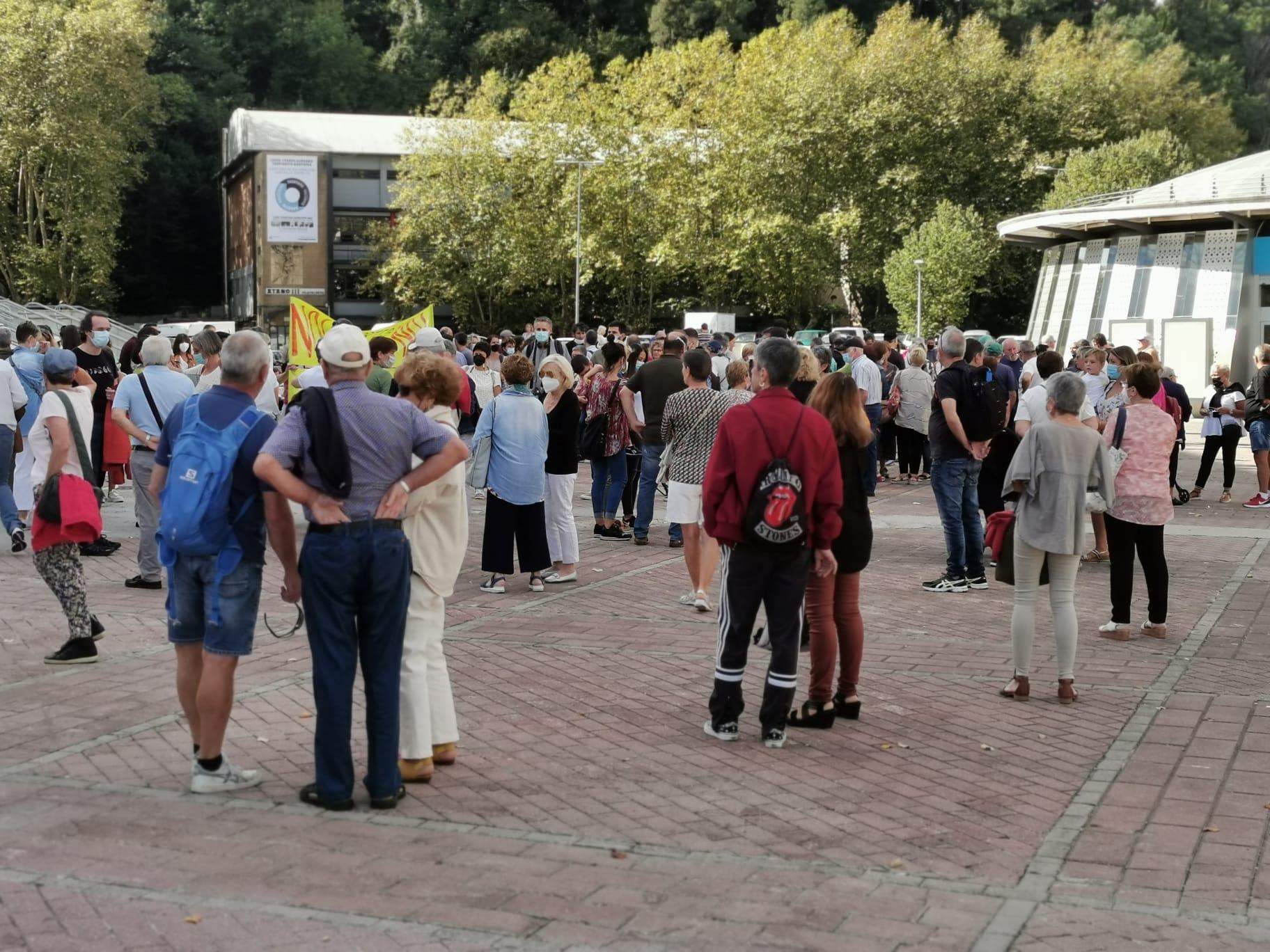 Onkologikoa2 - Una manifestación recorre Donostia por el futuro de Onkologikoa